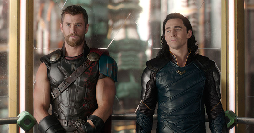 Thor: Ragnarok - Chris Hemsworth and Tom Hiddleston