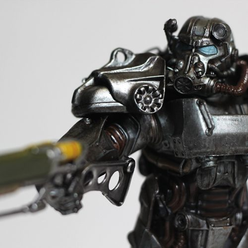 ThinkGeek's Fallout 4 T-60 Power Armor Statue