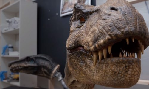 Jurassic World: Fallen Kingdom behind-the-scenes video features Jeff Goldblum and Carnotaurus