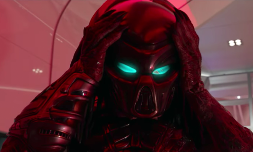 The mask comes on in the official trailer for 'Predator'