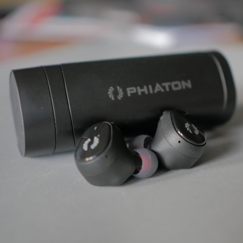 Phiaton Bolt BT700 review: Small size, big features