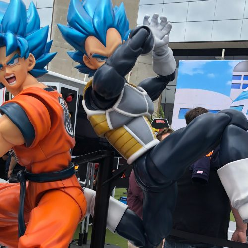 Dragon Ball achieves simultaneous Kamehameha world record