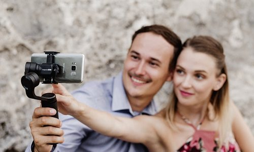 Zhiyun-Tech makes mobile filmmaking easier with the Smooth-Q2 gimbal