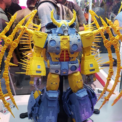 Campaign for giant Unicron Transformer has been extended to October