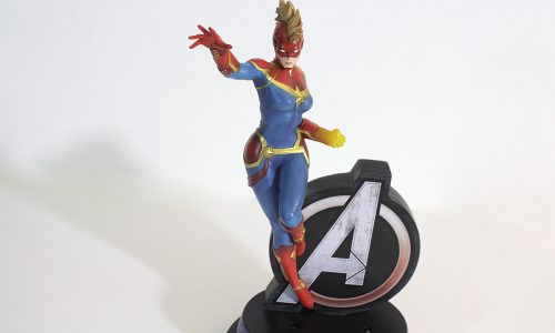 Illuminated Marvel Avengers Captain Marvel Masterpiece Sculpture Review
