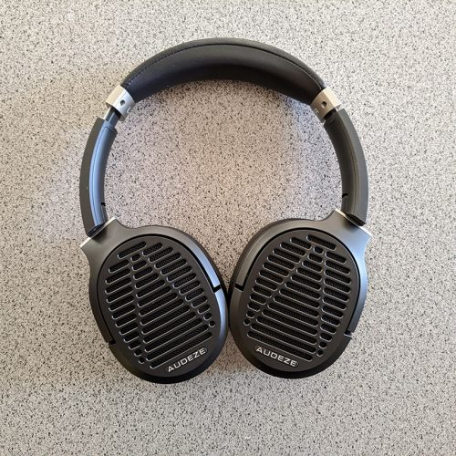 Audeze LCD-1 Headphones Review – Too pricey for its quality